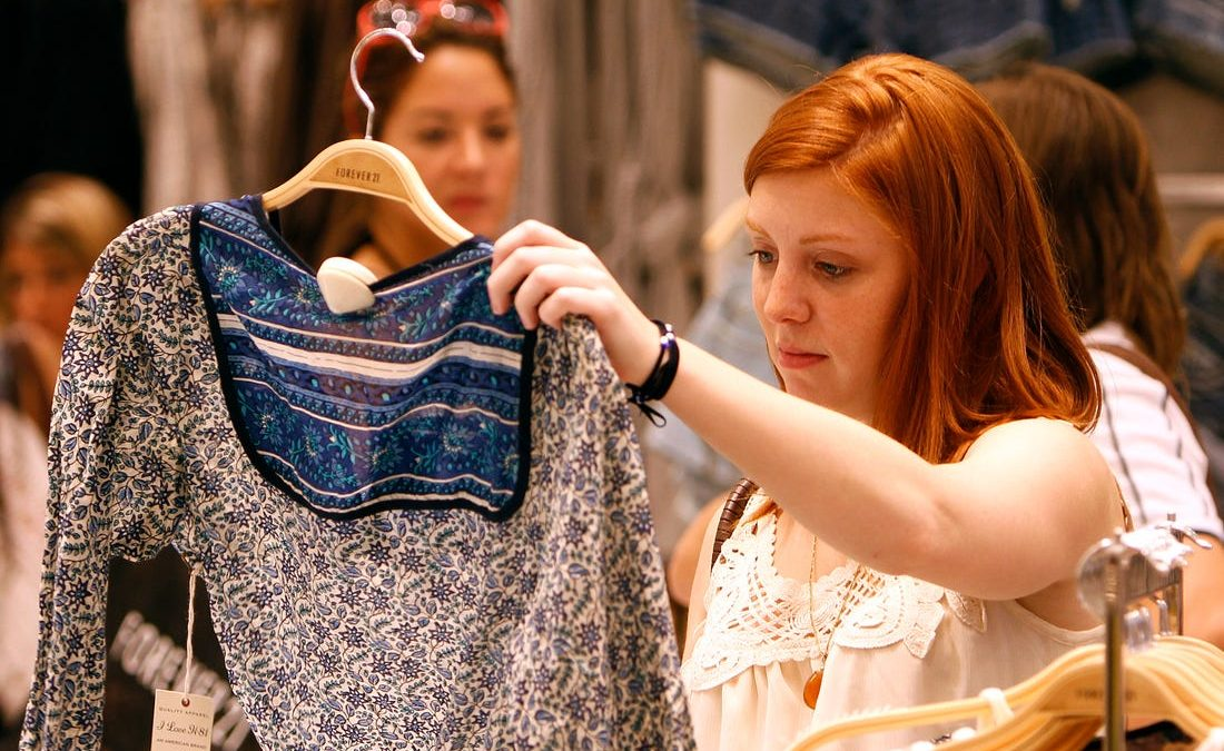 Women Fashion Garments – Pick the Dress That Suits the Event