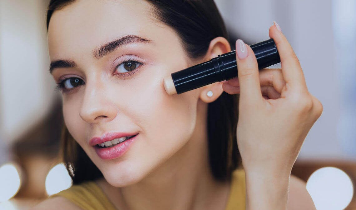 Makeup Apparatuses – The 6 Absolute necessities When Applying Makeup