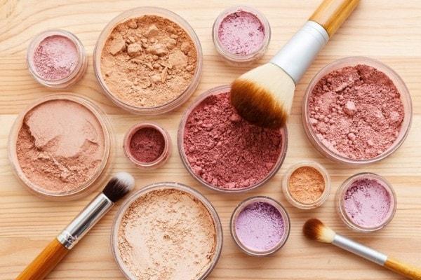 Fluid Mineral Makeup