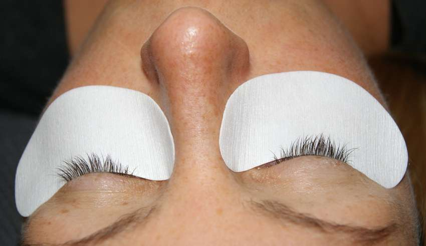 The Eyelashes Extension By Manicure & Pedicure Singapore Salons