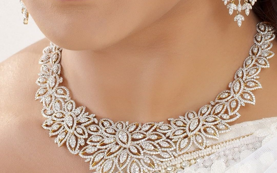 3 Things You Should Know About Statement Jewellery